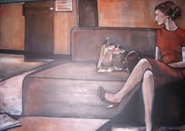 sur canapé femme seule sur canapé