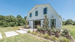 What Is A Ranch Style House by Peek Inside This Fixer Upper Ranch Style Home That U0027s Up For Sale