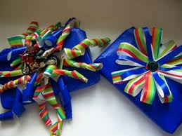 bow wrapping paper don t buy any more bows make them yourself out of left