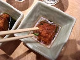 cuisine traditionnelle japonaise boule traditionnelle de poulpe de takoyaki de nourriture de cuisine