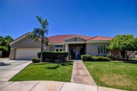 1060 n jamaica court 4 bedroom home for sale in val vista lakes