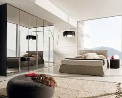 optimiser rangement chambre decoration garde robe de chambre à coucher grand lit ottoman