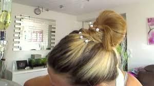 cuisiner chignons idée coiffure un chignon plat chic et cheveux beauté