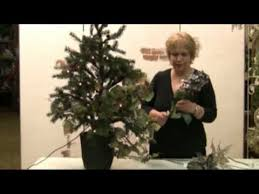 decorate a christmas tree like a pro decorating tips to achieve a