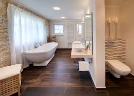 große badezimmer charmant bad holzoptik fr andere ziakia