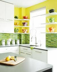 cuisine jaune et verte stunning cuisine provena c2 a7ale jaune et verte gallery design