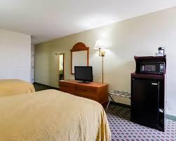 Comfort Inn Bypass Road Williamsburg Va Standardroomsbedroom5 Jpg