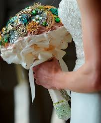 diy bouquet 13 diy brooch wedding bouquets that you can make happywedd