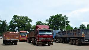 volvo truck and bus jpj we want more malaysian bus and truck drivers youtube