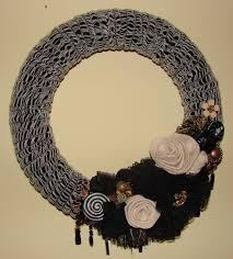 halloween wreath craft crossing