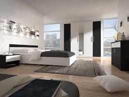 chambre à coucher blanc et noir chambre a coucher blanche tunisie avec id e couleur adulte idees et