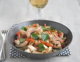 cuisiner la seiche fraiche seiches à l asiatique avec pavillon les produits de la mer