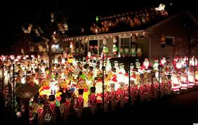 santa army u0027 takes over yard in this extreme christmas decoration