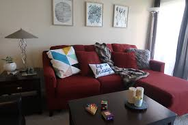 3 ways to work around a red sofa when styling your living room