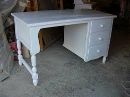 bureau rustique bureau rustique 3 tiroirs laqué blanc louis l ébéniste