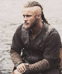 what hairstyle ragnar lothbrok ragnar lothbrok s hairstyle from vikings ragnar ragnar lothbrok