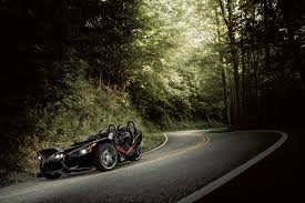 2016 polaris slingshot sl le review