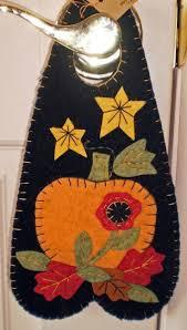 434 best mug rug halloween images on pinterest halloween quilts