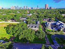 Homes For Sale In Houston Texas 77056 5539 Cranbrook Road Houston Tx 77056 Greenwood King Properties