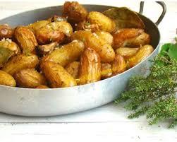 cuisiner pomme de terre grenaille recette pommes de terre grenailles aux herbes aromatiques et au sel