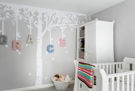 arbre chambre bébé stickers chambre bébé fille pour une déco murale originale