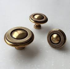 Shabby Chic Cabinet Pulls by 13 Best Knobs U0026 Drawer Pulls Images On Pinterest Pull Handles