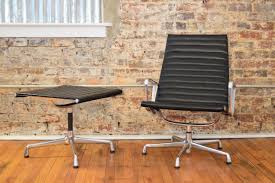 Herman Miller Lounge Chair And Ottoman by Charles And Ray Eames For Herman Miller Aluminum Group Lounge
