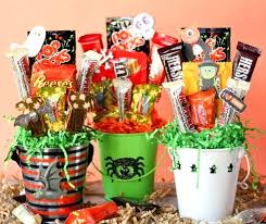 how to make a gift basket how to make a candy bouquet make candy gift baskets make