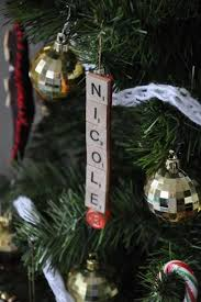 tree ornaments with names on them tree with