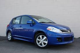 nissan versa sedan review review 2010 nissan versa hatchback photo gallery autoblog