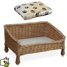 canapé en osier lit en osier pour faire dormir chien et