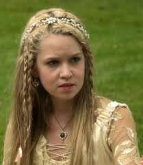 reign cw show hair weave beads 9 best aylee images on pinterest reign fashion braid hairstyles