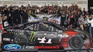 Ford Racing Flag Kurt Busch And Ford Stewart Haas Racing Claim 2017 Daytona 500
