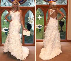 a 2 012 toilet paper wedding dress gives new meaning to u0027cheap