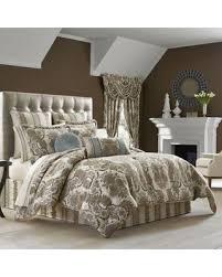 Queen Comforter On King Bed Great Deal On J Queen New York Crystal Palace Queen Comforter Set