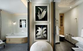 Black And White Bathroom Decorating Ideas Black And White Printed Spa Interior Design Ideas