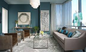 blue livingroom from navy to aqua summer decor in shades of blue