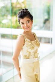 Thai Wedding Dress Lanna Dancer In Traditional Thai Dress And Jewelry Thailand
