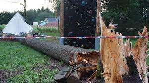 Baden Blitz Unwetter In Rickenbach Baden Württemberg Jugendlicher Tot In