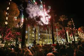 Riverside Christmas Lights Riverside Festival Of Lights Thrills Crowds At Mission Inn