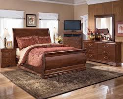 Piece Sleigh Bedroom Set In Dark RedBrown - Grande sleigh 5 piece cal king bedroom set