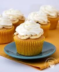 strawberry cupcakes with cream cheese swiss meringue buttercream