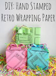 retro wrapping paper running with a glue gun diy sted retro wrapping paper