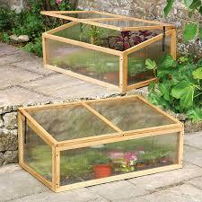 serre horticole en verre fabrication d une serre de jardin en bois roytk