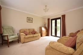2 bedroom detached bungalow ash drive redhill rh1