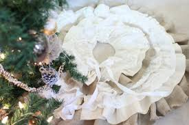 do it yourself divas diy burlap and lace christmas tree skirt
