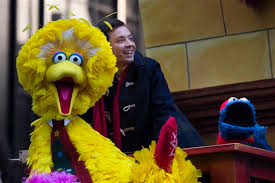 macy s thanksgiving day parade big bird and cookie