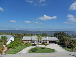 Jensen Beach Florida Map by Skyline Drive High Elevation Spacious Pool Home For Sa