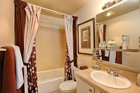 Staged Bathroom Pictures by Staged Apartment Bathroom Decorating Staging Inspiration
