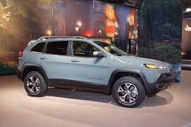 jeep cherokee ads jeep reportedly readying baby cherokee suv for next year